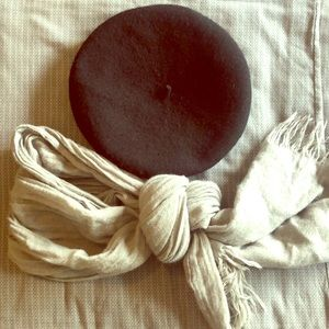 Wool beret and scarf